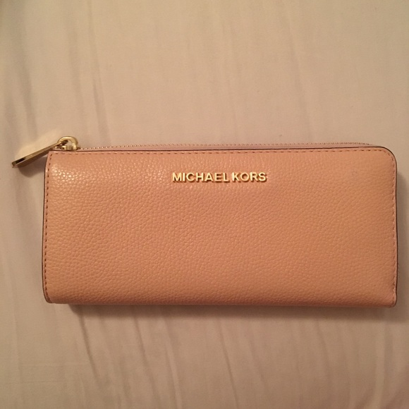 Michael Kors Handbags - Michael Kors Three Quarter Zip Around Wallet